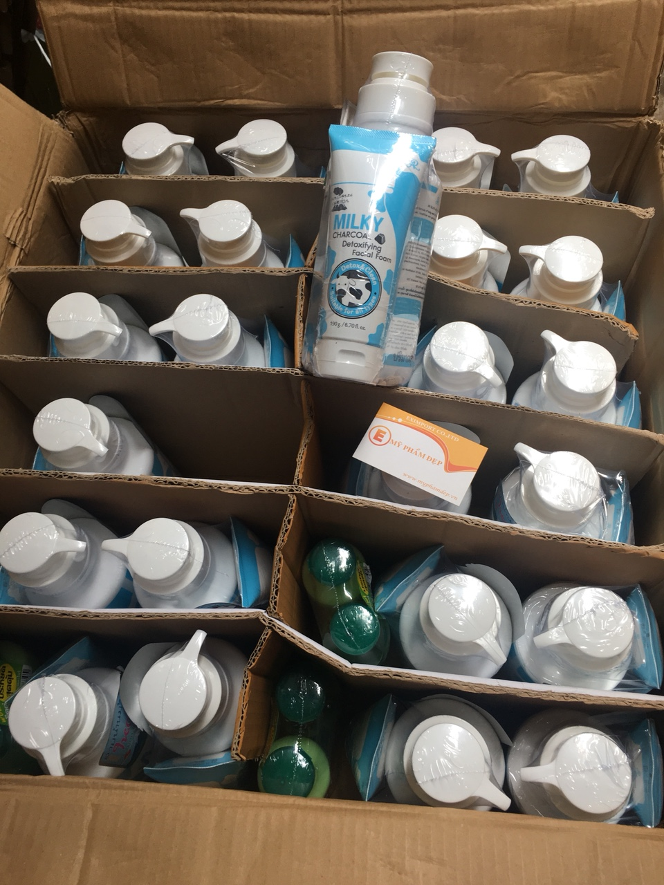 sua-rua-mat-sua-tam-gluta-milk-800ml-tang-kem-sua-rua-mat-gluta-milk-190g-thai-lan-2416