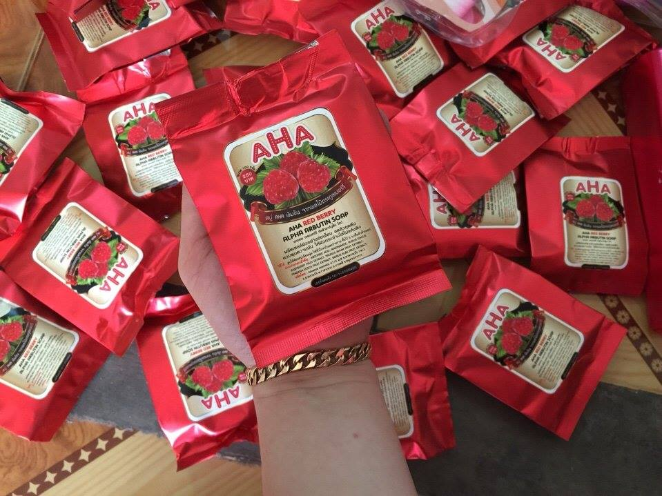 body-soap-kich-trang-aha-red-berry-899